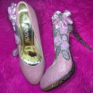 Shoes - Pink glittery heels